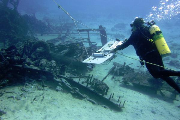 Coral Reef Ecosystem Program NOAA divers